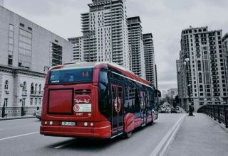 В Баку временно изменена схема движения двух автобусов (ФОТО)