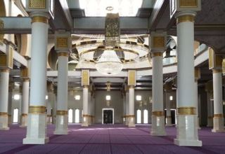 Algeria to reopen mosques for public: president