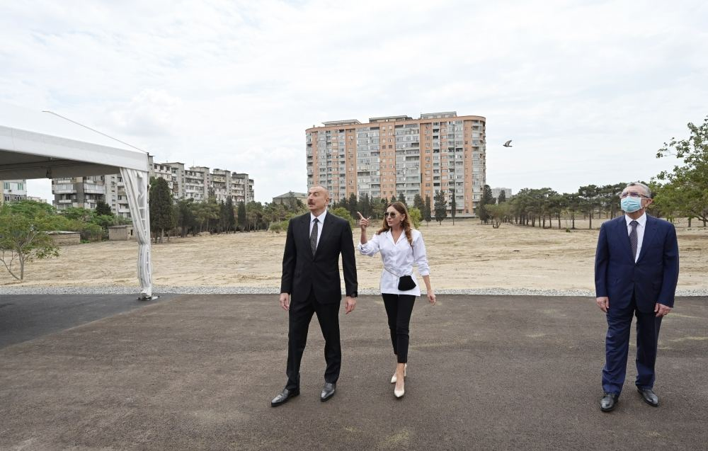 Azerbaijani president, first VP view works to be done in new forest type park in Yasamal district (PHOTO) - Gallery Image