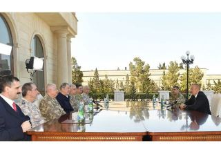 President Ilham Aliyev receives delegation led by Turkish Minister of National Defense (PHOTO/VIDEO)