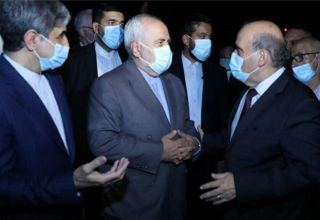 Zarif arrives in Beyrut