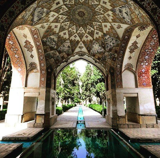 Iran heralds brilliant prospects for tourism revenues