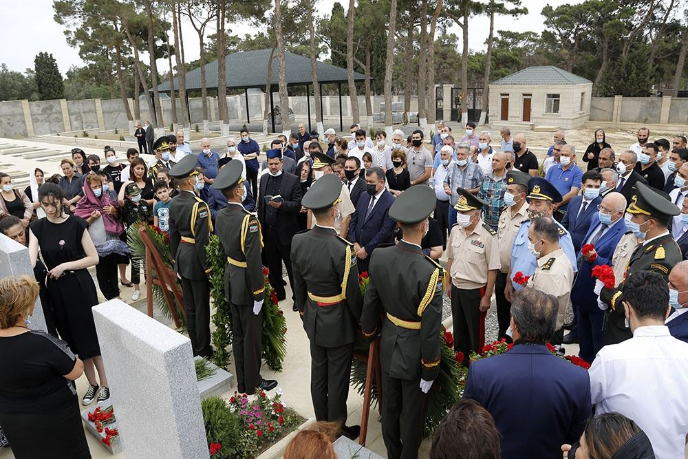 The commemoration ceremonies took place to honor servicemen who died as Shehids in Tovuz battles (PHOTO) - Gallery Image
