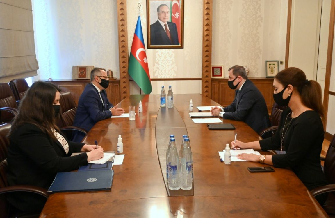Azerbaijani FM meets with newly appointed ambassador of Greece (PHOTO)