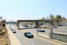 Xırdalan yolunda dəmir yolu körpüsünün söküntüsünə başlanılıb (FOTO) - Gallery Thumbnail