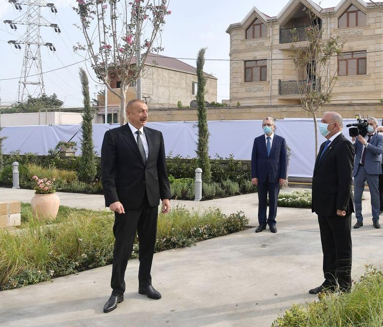 Президент Ильхам Алиев ознакомился с условиями, созданными в парке имени Муртузы Мухтарова в поселке Амирджан (ФОТО) - Gallery Image