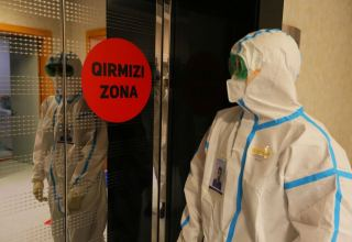 Greece reports 453 new coronavirus infections, new daily record