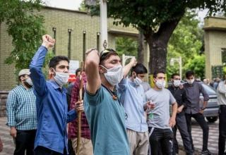 Iranian students hold rally in front of Armenian Embassy in Tehran