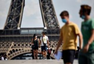 France extends curfew as COVID second wave surges in Europe