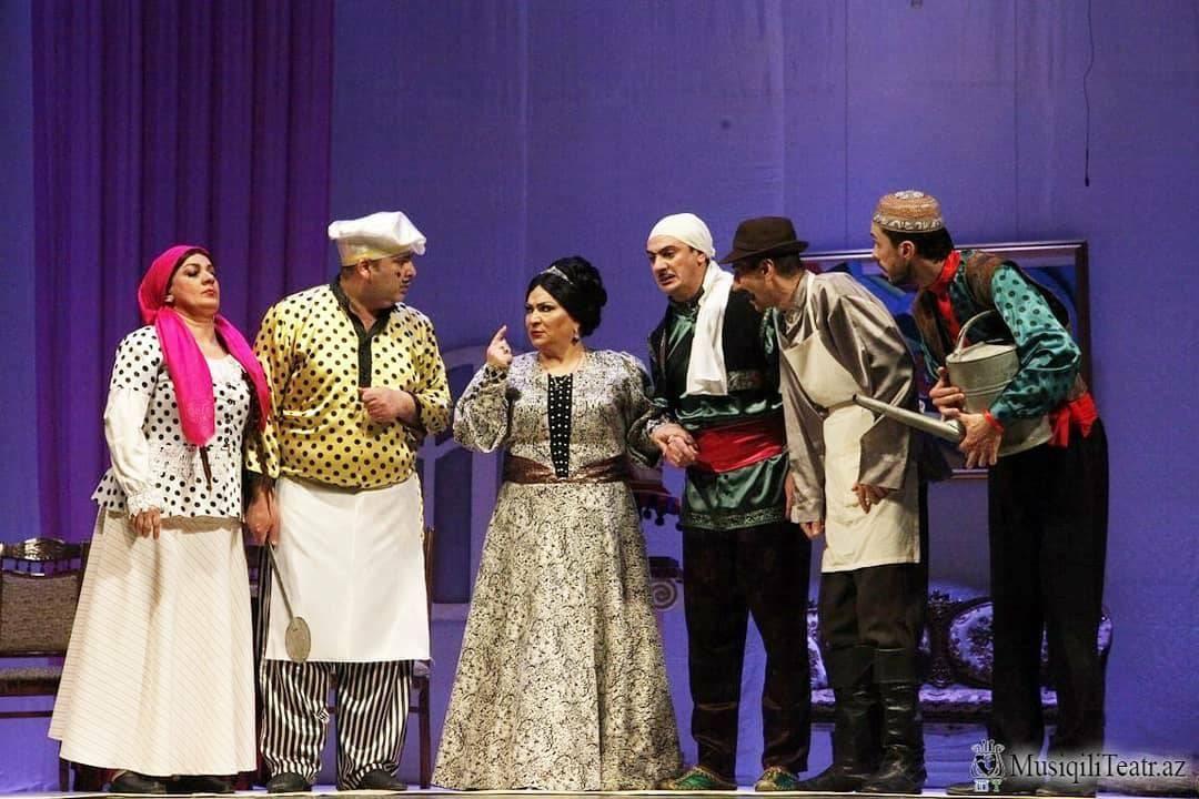 Муж и жена по-азербайджански (ФОТО)