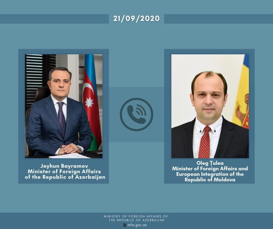 Azerbaijani, Moldovan FMs exchange views on issues on bilateral co-op agenda over phone