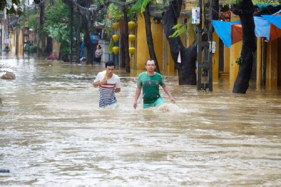 "Шесть человек погибли во Вьетнаме из-за тайфуна ""Ноул"""