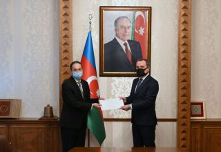 Azerbaijani MFS meets with newly-appointed Pakistani ambassador (PHOTO)