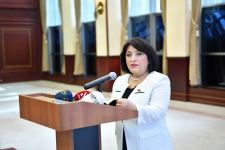 Спикер парламента Азербайджана провела брифинг (ФОТО) - Gallery Thumbnail