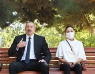 Azerbaijani president, first lady meet with wounded servicemen undergoing treatment at Central Military Clinical Hospital of Defense Ministry (PHOTO) - Gallery Thumbnail