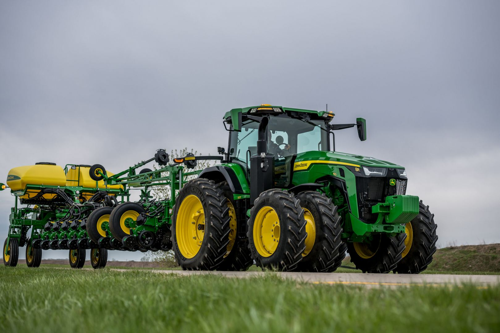 John Deere to supply Turkmenistan's private sector with agricultural machinery