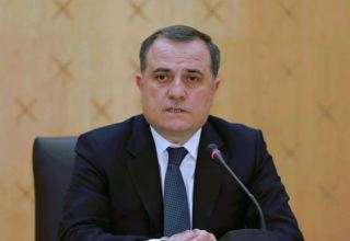 FM talks on possible Azerbaijan-Armenia peace treaty to French Le Point