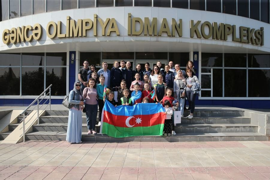 Members of Azerbaijani National Gymnastics team visit missile-hit Ganja (PHOTO) - Gallery Image