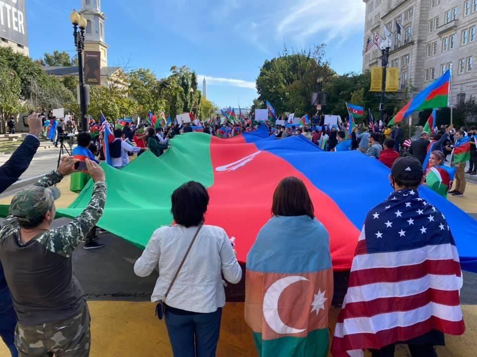 Диаспорские организации Азербайджана в США провели акцию протеста против армянской агрессии (ФОТО)