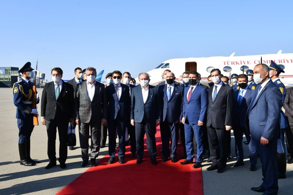 Chairman of Grand National Assembly of Turkey arrives on official visit to Azerbaijan (PHOTO) - Gallery Image