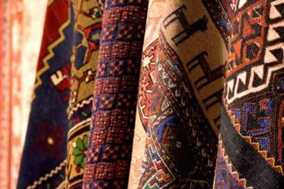 Turkmen carpet-weaving company unveils volumes of manufactured products