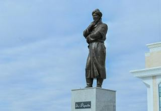 Abai and Al Farabi monuments unveiled in Turkestan
