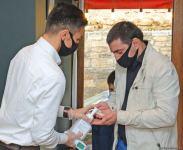 Как бакинские рестораны соблюдают санитарно-эпидемиологические правила (ФОТОРЕПОРТАЖ) - Gallery Thumbnail