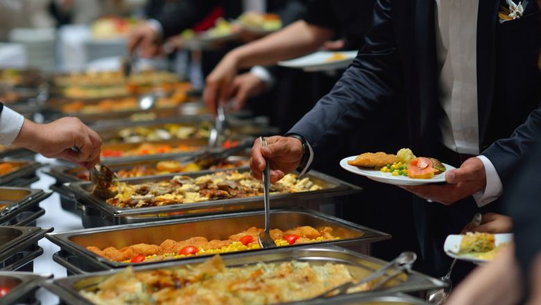Baku's 9M2020 public catering turnover more than halves