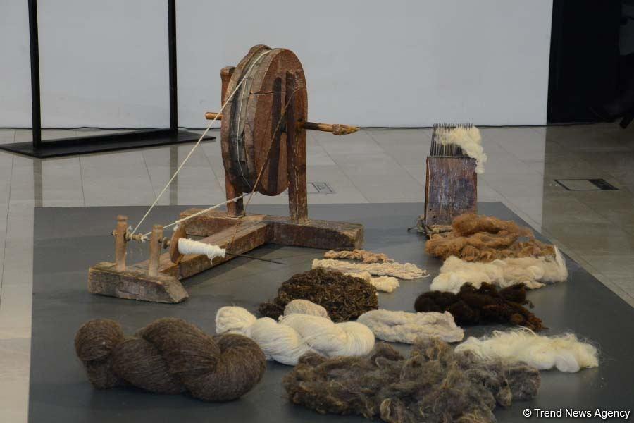 В Баку отметили десятилетие включения традиционного азербайджанского коврового искусства в Список нематериального культурного наследия ЮНЕСКО (ФОТО) - Gallery Image