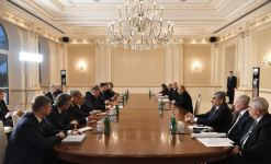 President Ilham Aliyev receives Russian Foreign Minister Sergey Lavrov (PHOTO) - Gallery Thumbnail