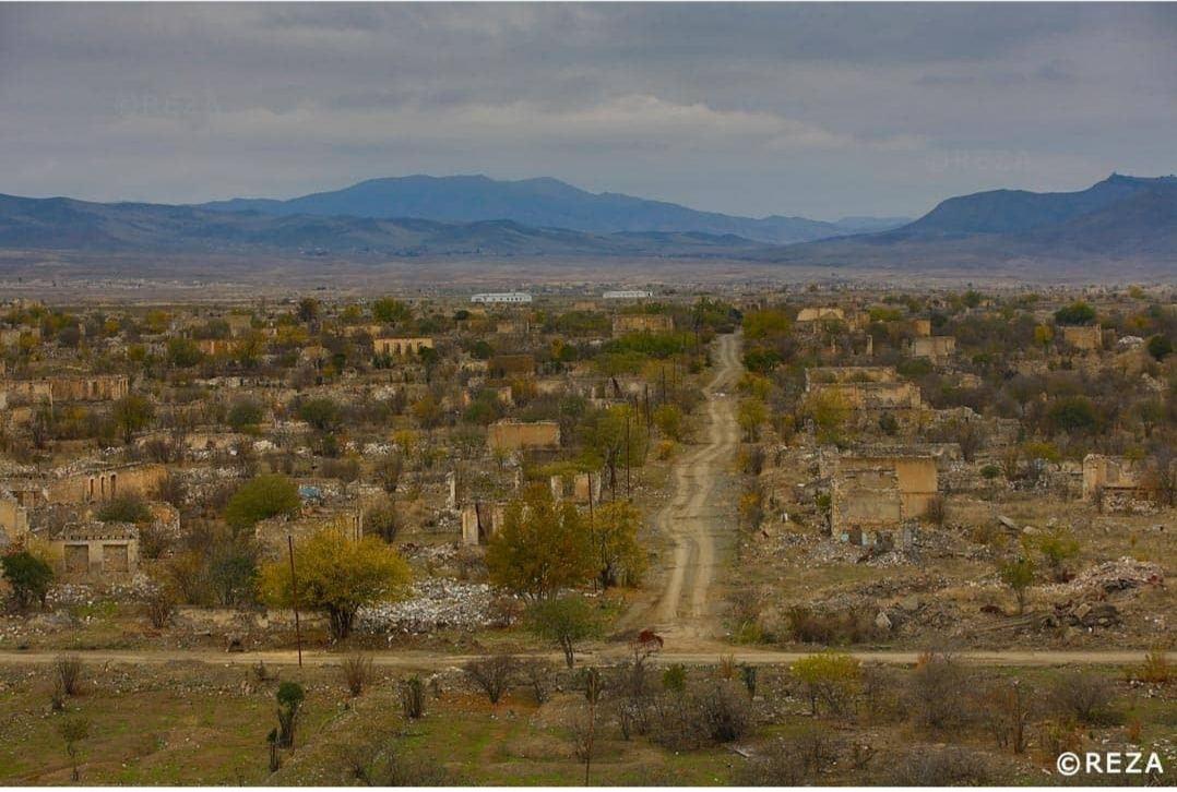 Я был шокирован, увидев город-призрак - всемирно известный фотограф показал разрушенный армянскими вандалами Агдам (ФОТО) - Gallery Image
