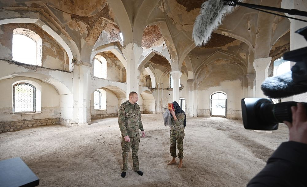 President Ilham Aliyev and first lady Mehriban Aliyeva visit liberated from occupation Aghdam city (PHOTO) - Gallery Image