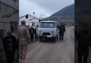 Azerbaijani servicemen help Armenians to move belongings from villages of Aghdam district (VIDEO)