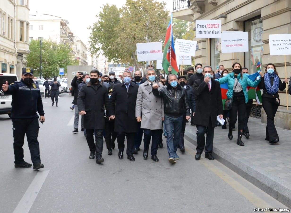 Protesters give statement in front of French embassy in Baku (PHOTO/VIDEO) - Gallery Image