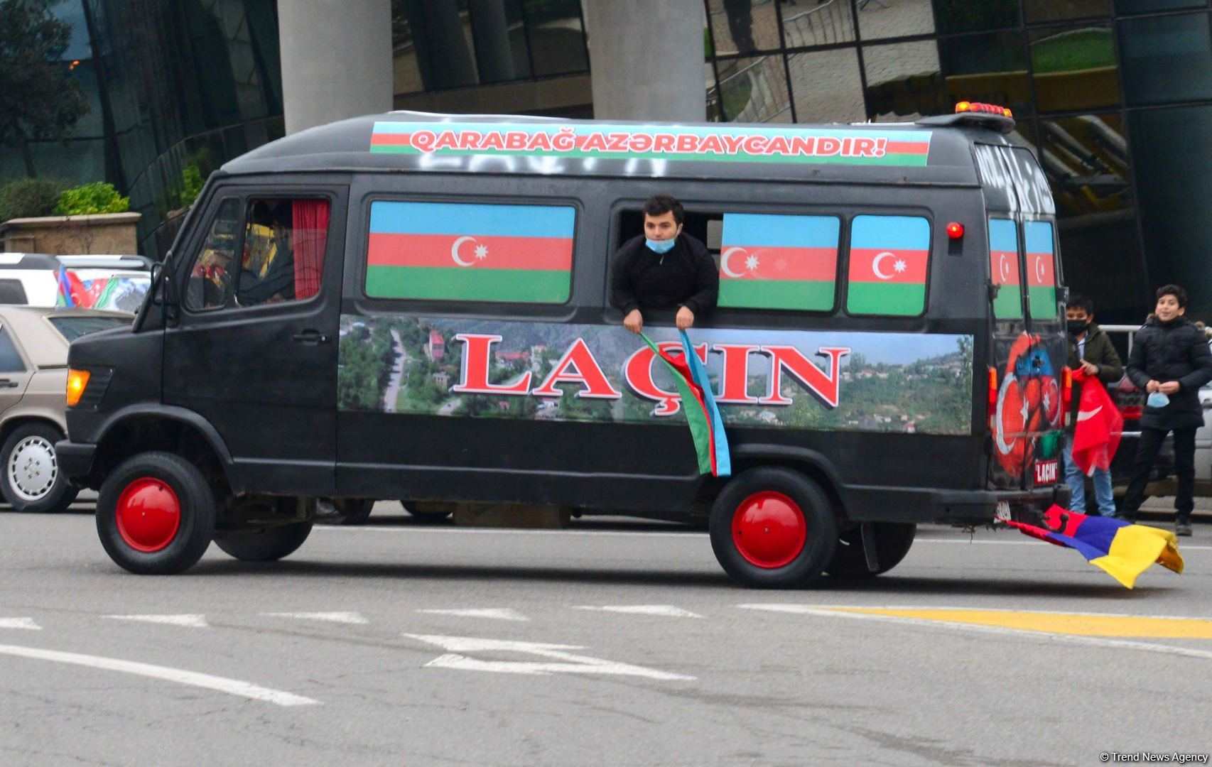 Festive procession in Baku in connection with liberation of Azerbaijan's Lachin district (PHOTO) - Gallery Image