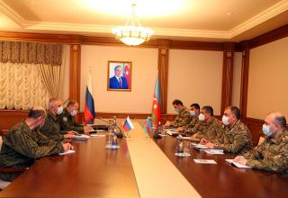 Azerbaijani Defense Minister meets with commander of Russian peacekeeping forces deployed in Karabakh region