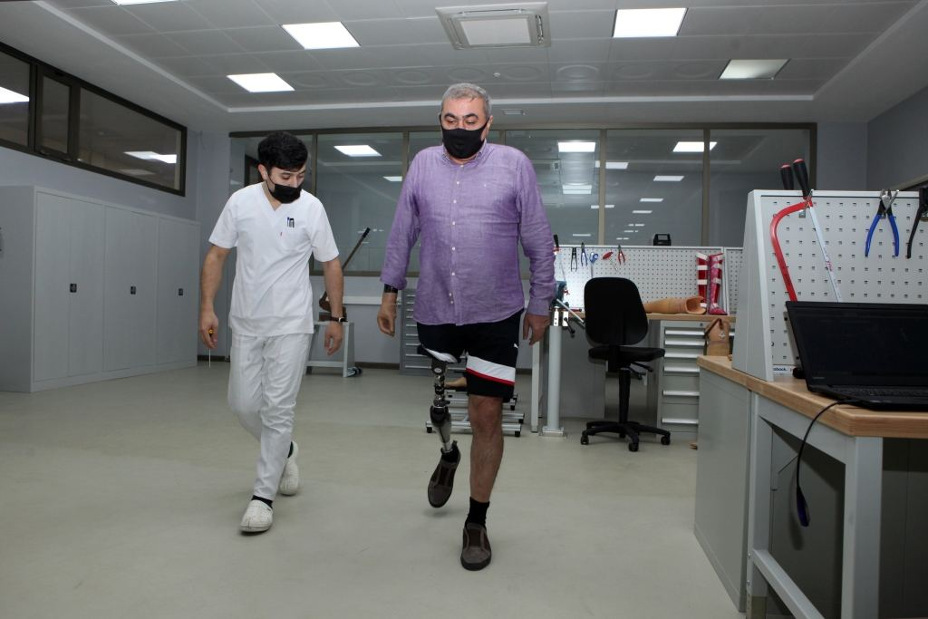 Azerbaijan presents first locally manufactured high-tech prostheses (PHOTO) - Gallery Image