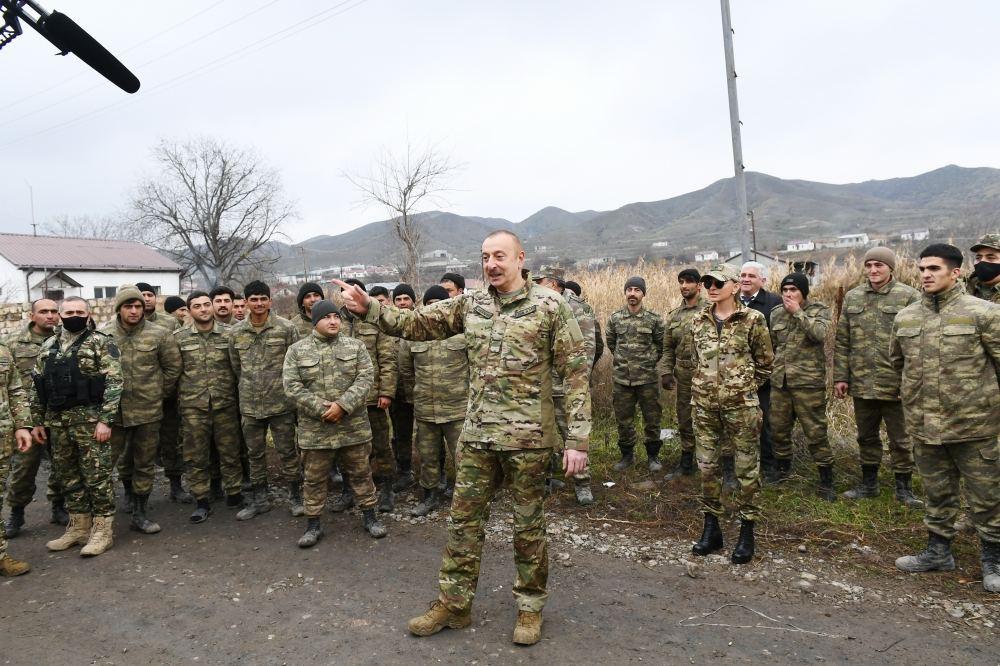 President Ilham Aliyev met with servicemen in Khanlig village of Gubadli disctict (PHOTO) - Gallery Image