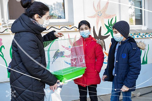 """""""Azercell Volunteers"""" and friends fulfilled the New Year wishes of children (PHOTO) - Gallery Image"""