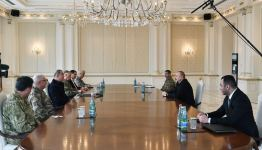 President Ilham Aliyev receives delegation led by Turkish Minister of National Defense (PHOTO/VIDEO) - Gallery Thumbnail