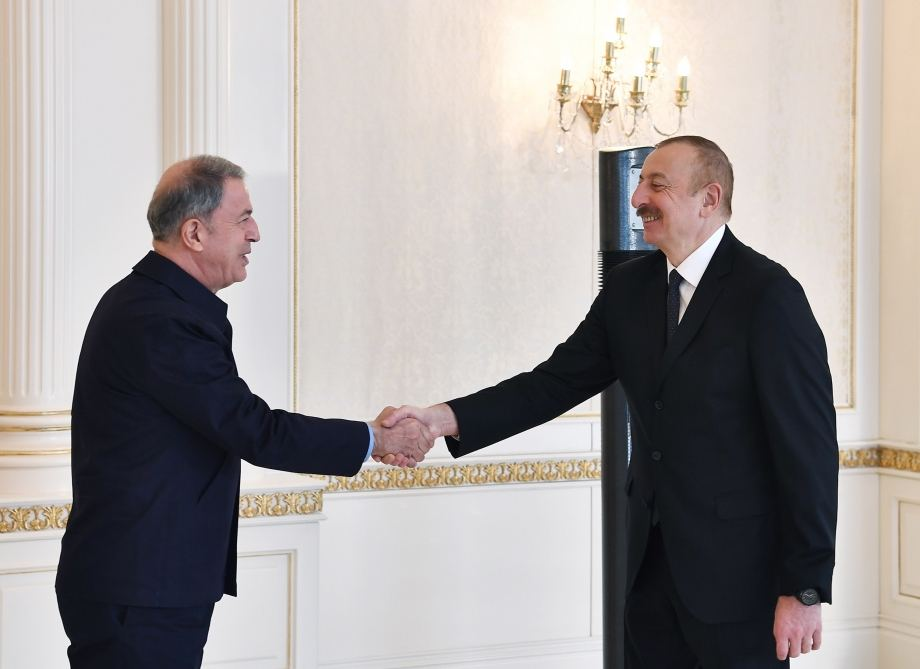 President Ilham Aliyev receives delegation led by Turkish Minister of National Defense (PHOTO/VIDEO) - Gallery Image