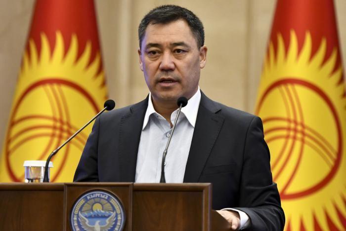 Президент Кыргызстана проголосовал на референдуме по конституции и выборах в местные советы