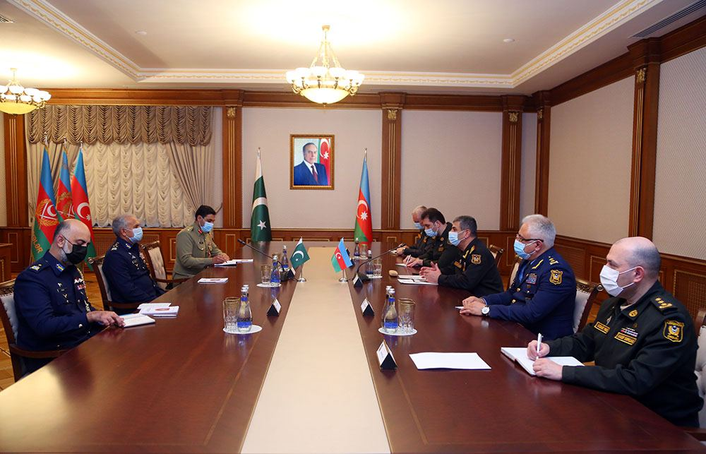 Azerbaijan, Pakistan discuss issues of expanding military relations (PHOTO)