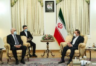 Iran, Azerbaijan to sign preferential trade agreement within the next month