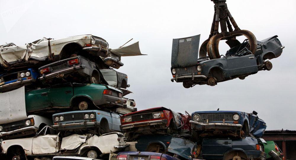 Azerbaijan develops program for recycling old cars