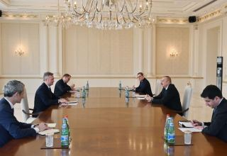 President Aliyev receives French Minister of State attached to Minister for Europe and Foreign Affairs (PHOTO)