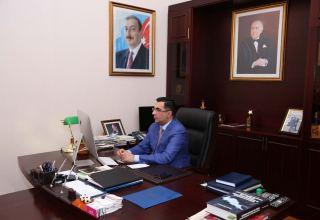 Rector Elmar Gasimov holds online meeting with Presidential Scholars (PHOTO)
