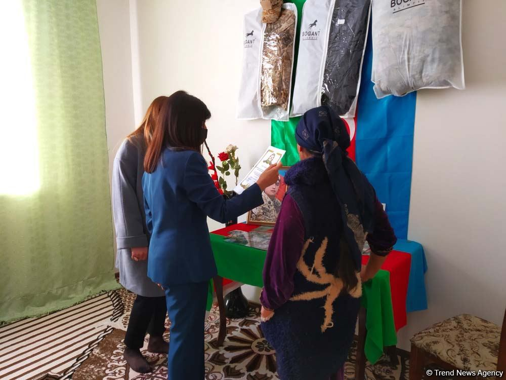Депутат Севиль Микаилова встретилась с избирателями и навестила семьи шехидов в Хачмазе (ФОТО) - Gallery Image