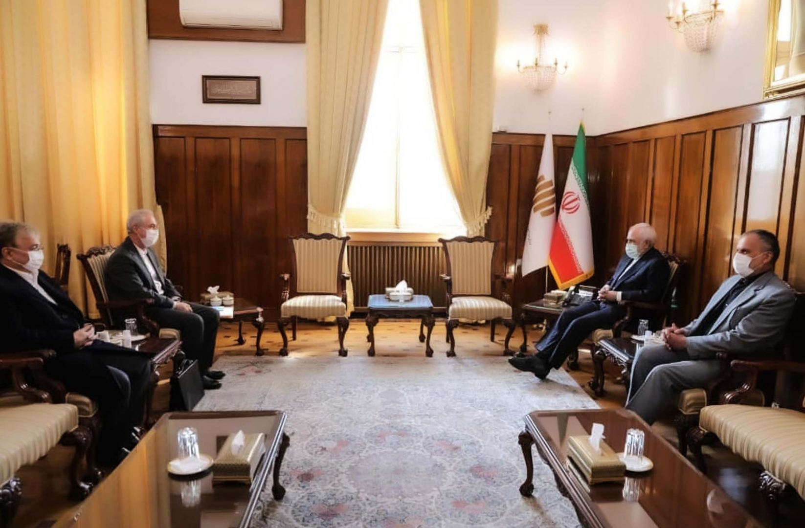 Iran-Azerbaijan railway lines and border opportunities should be activated – Zarif