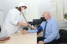 Представители политпартий Азербайджана проходят вакцинацию (ФОТО/ВИДЕО) - Gallery Thumbnail
